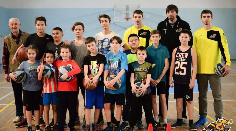 майстер-клас від Київ-Баскета школярам (1)